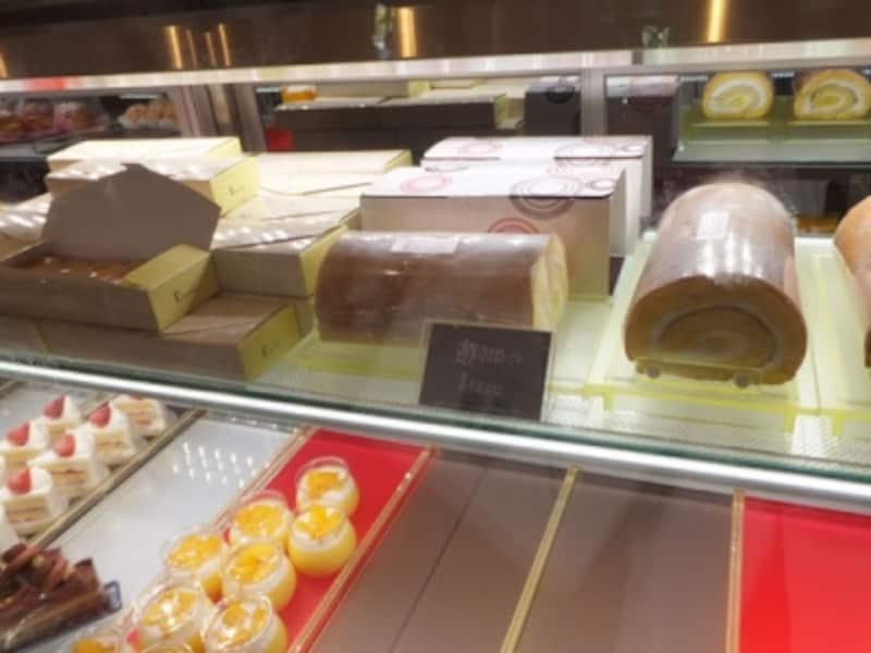 左上:遊羽チーズ、右上:遊羽ロール
