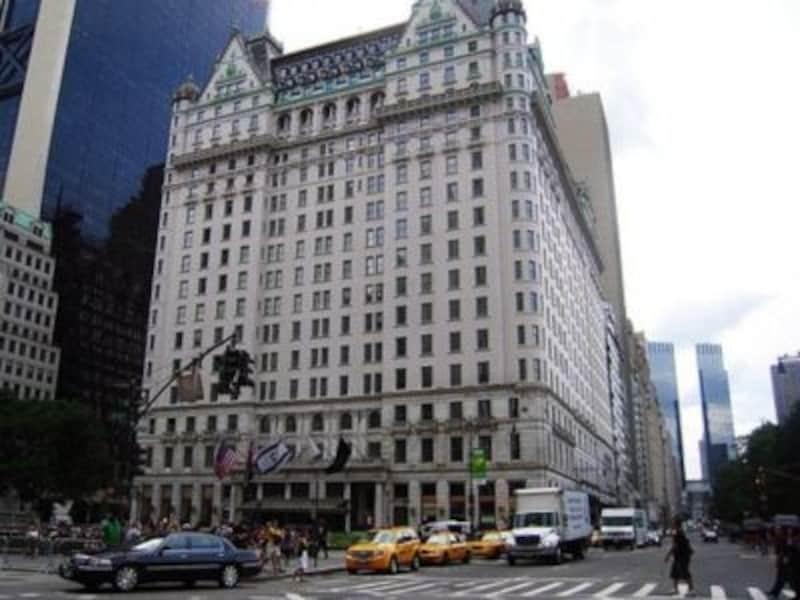 セントラルパークと5番街を臨む歴史的ホテル