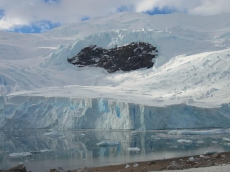 氷河観光も南極旅行のハイライトのひとつundefined写真提供:岡部能直