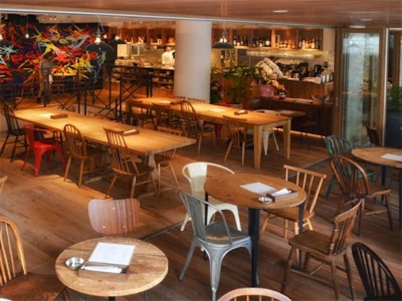 JINNANCAFEは102坪に163席、渋谷でも有数の大型カフェ。