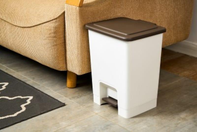 片付けない夫のタイプ別対処法:ゴミ箱を変えて「捨てやすくなったね」と言ってみる
