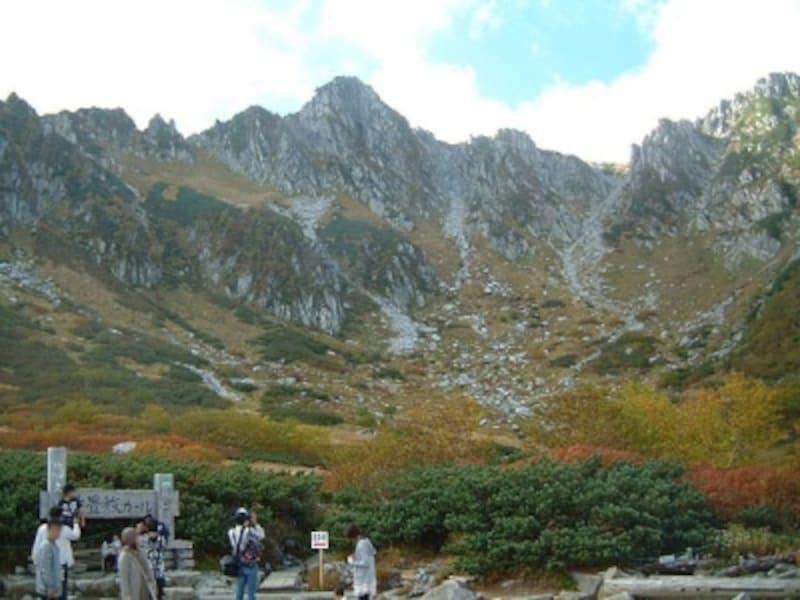 千畳敷カールの紅葉・黄葉(1)/宝剣岳と共に