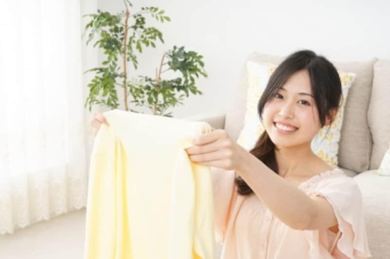 100均で簡単おしゃれに洋服を収納できる方法・アイデアとは