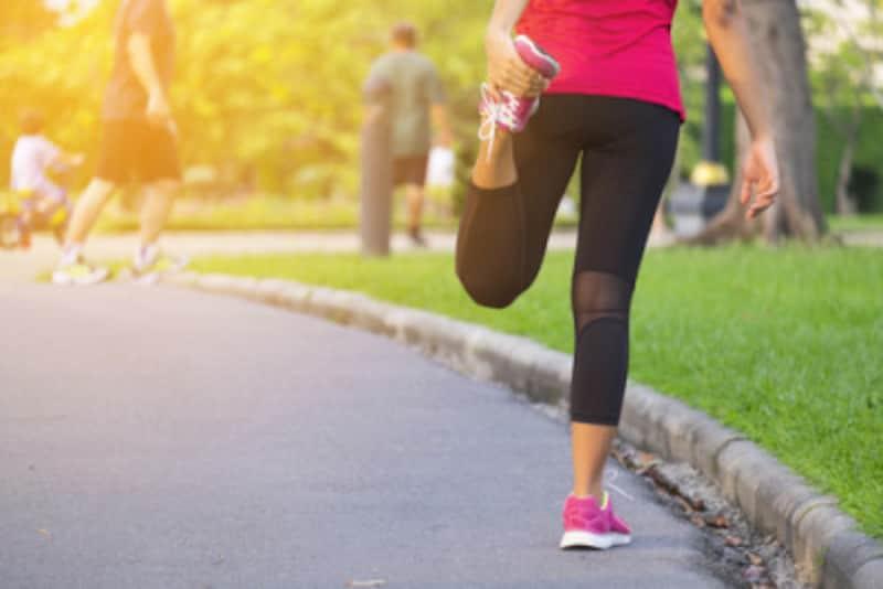 ウォーミングアップは体を柔軟にし、動きのパフォーマンスをあげる大切な準備運動。