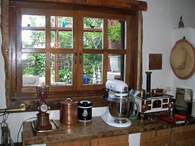 木製の内窓をDIYで取り付け。インテリア性だけでなく住み心地もアップ。