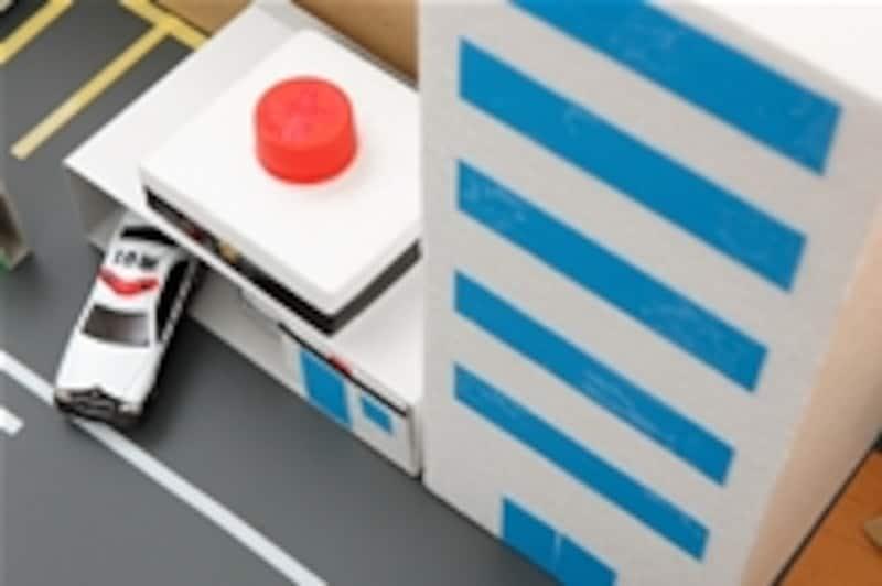 3.枠箱の中に建物などのパーツを並べます。