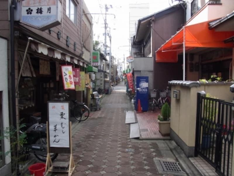六条通沿いの商店