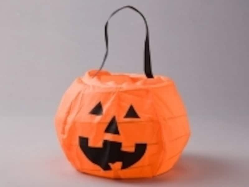 かぼちゃのバッグ。お菓子をもらったらコレに!