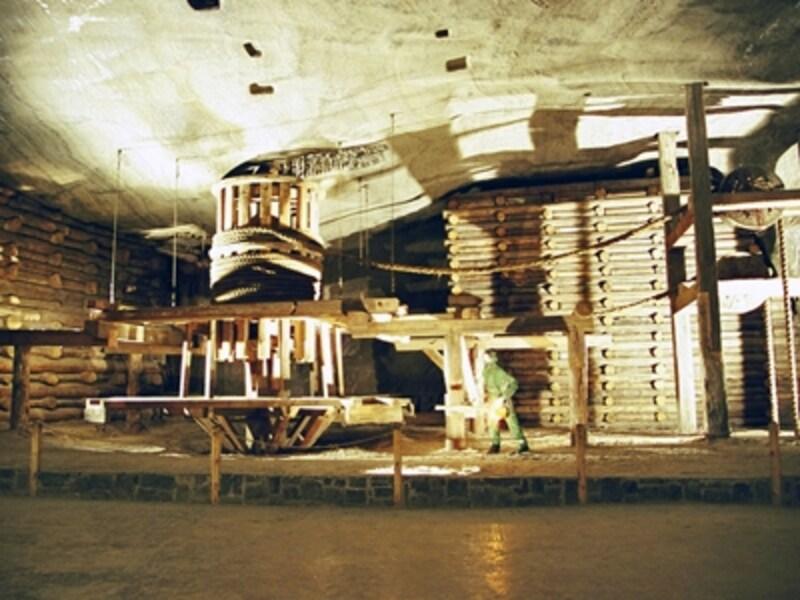 「カジミェシュ大王の間」の掘削機