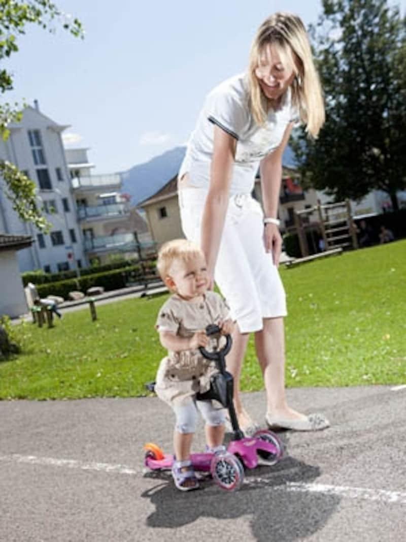歩き始めたら使えるキックボード!
