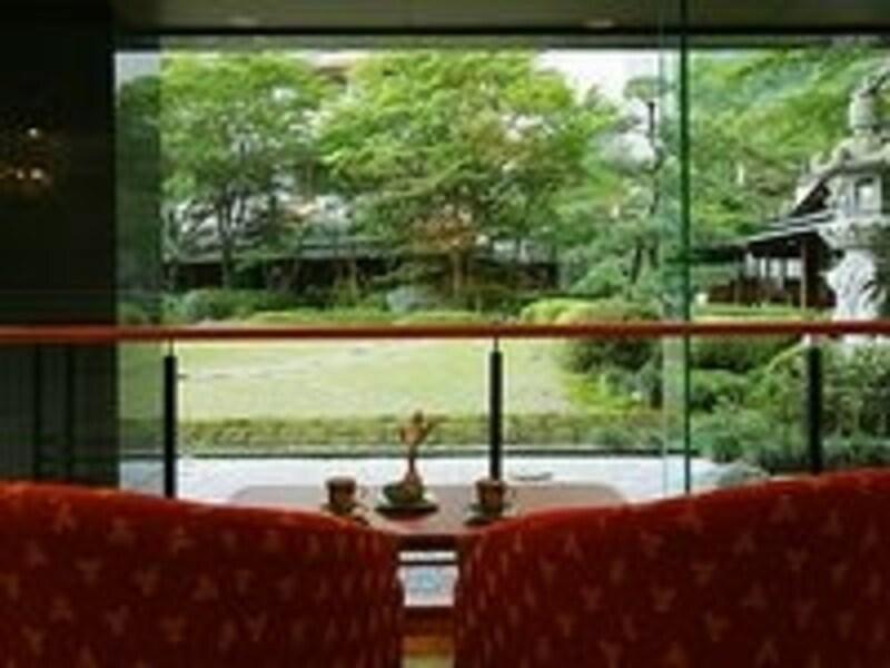 ホテルの日本庭園