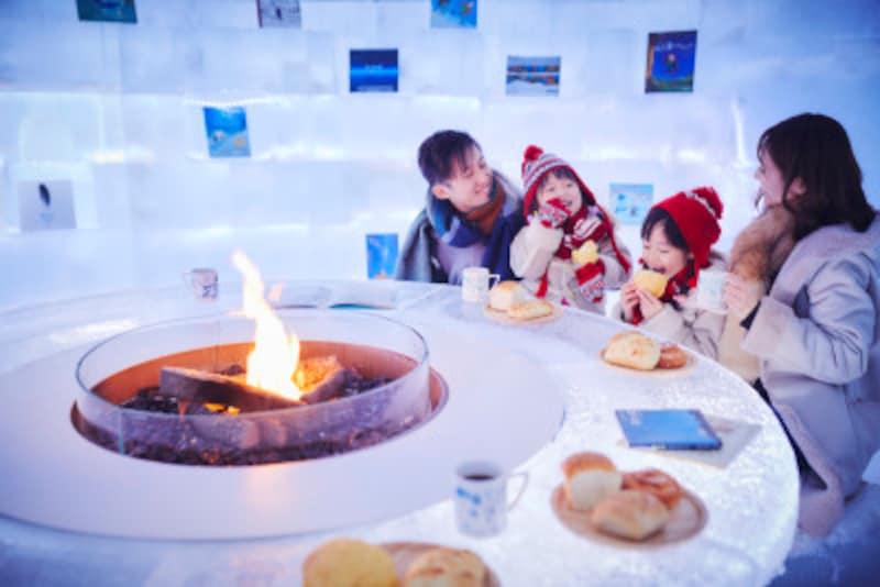 熱々のパンを提供する「氷のBakeryCafe」