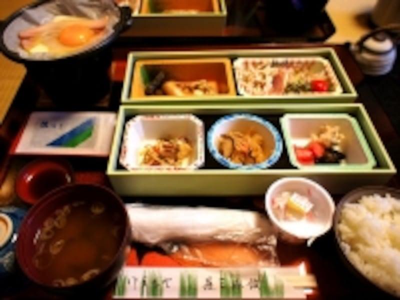 鉛温泉藤三旅館朝食