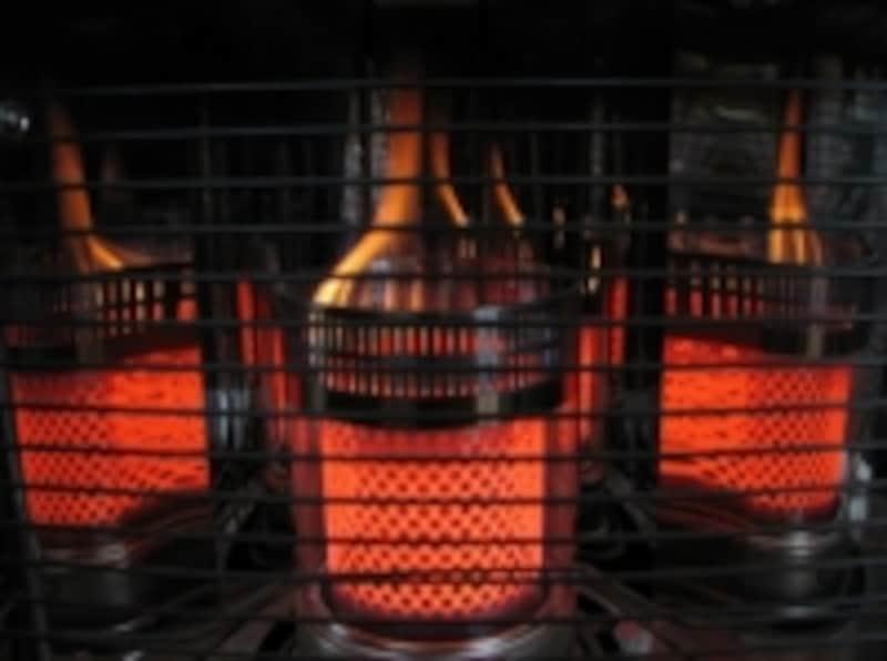 石油ストーブは速暖性があり停電時でも使用できる。