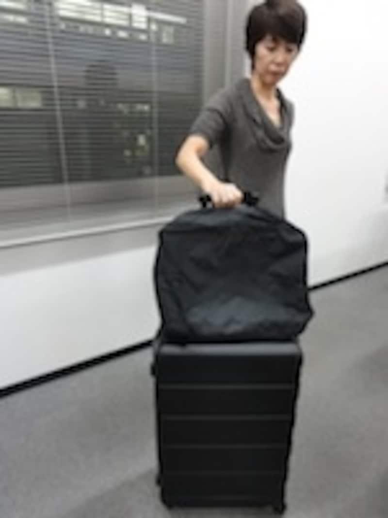 キャリーケースと内装バッグ