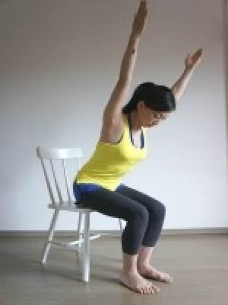 肩甲骨周りをよく動かす!