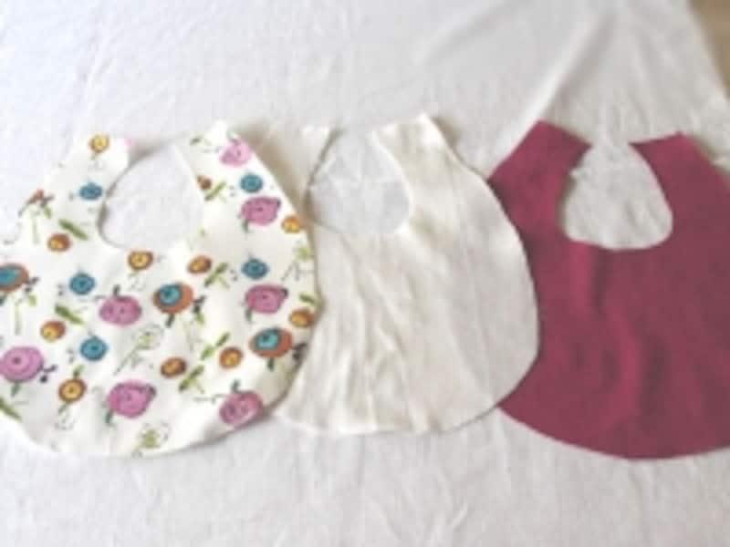 同じ形の布地が3枚出来ました
