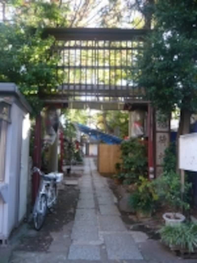 皆中稲荷神社入口