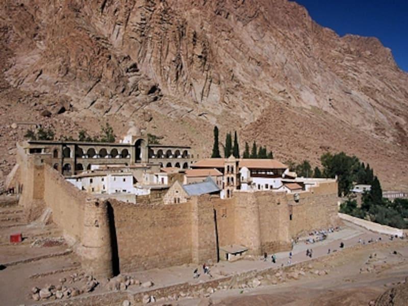 城壁に囲われた聖カトリーナ修道院