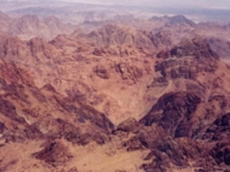 死の砂漠が広がるシナイ半島