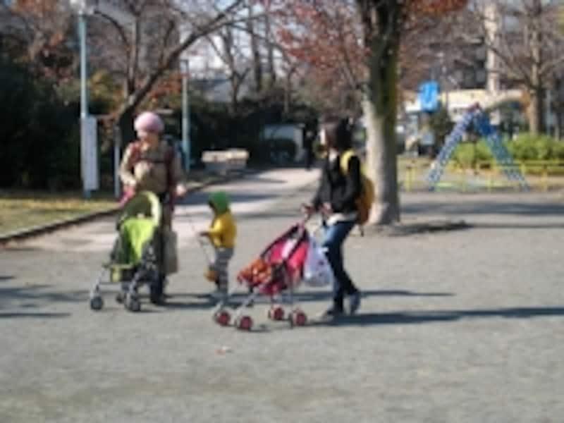 公園の母子