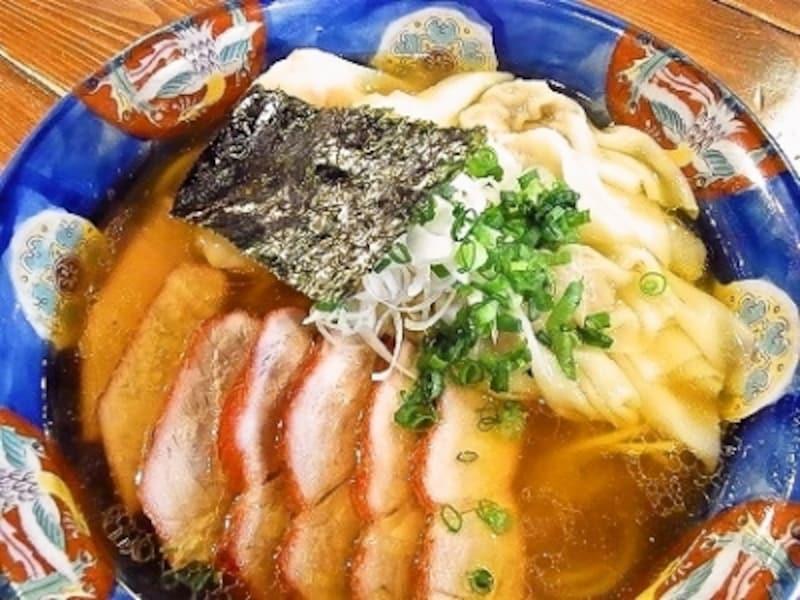 チャーシュー特製ワンタン麺(1280円)
