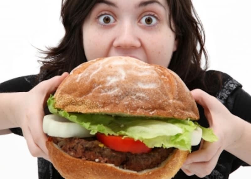 ヤケ食いやストレス食いはもちろん、避けられない会食やパーティのあとにも使える裏技があります。