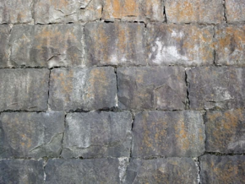 間知石の擁壁