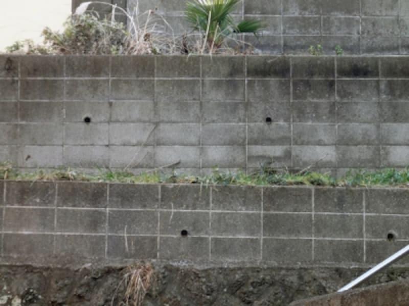 コンクリートブロックの増積擁壁