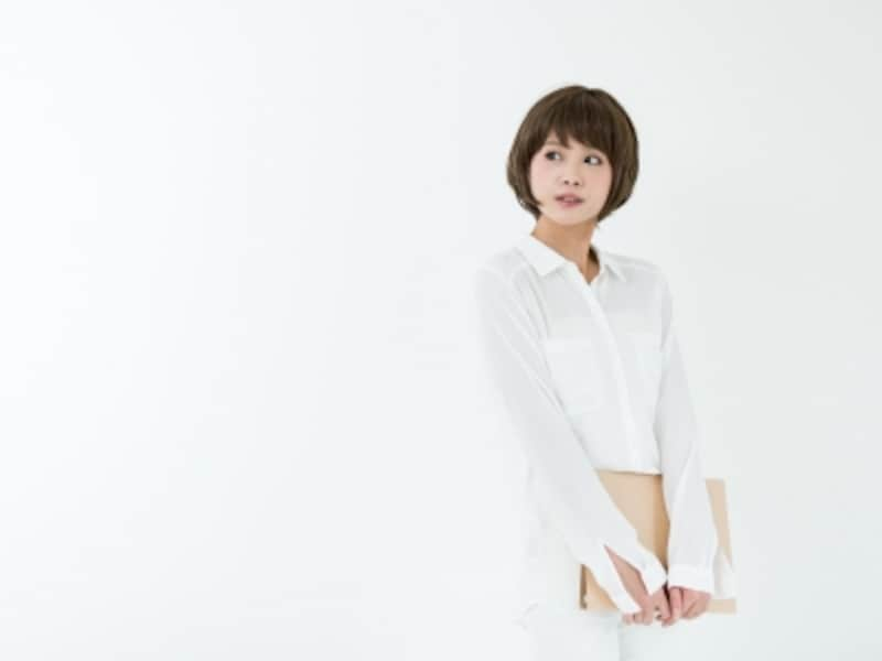 白いシャツ,パーソナルカラー,似合う色