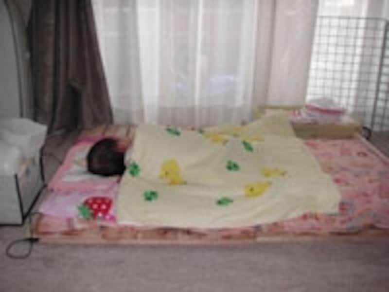 赤ちゃんと布団
