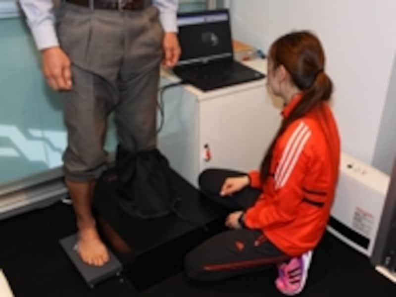 3Dスキャナで足型を計測