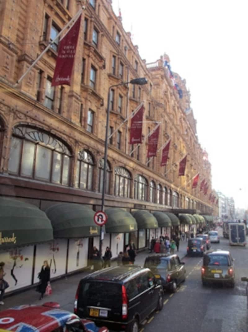 ハロッズはロンドン観光スポットのひとつ