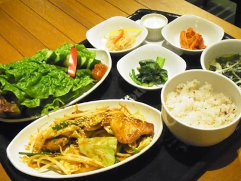 生姜焼きサンパ定食undefined990円