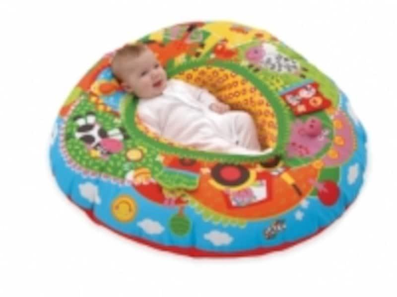 ボーネルンドのおもちゃ出産祝いランキング第9位「プレイネスト」は、ふくらませるのに便利なポンプ付き。空気を抜けば収納も困りません
