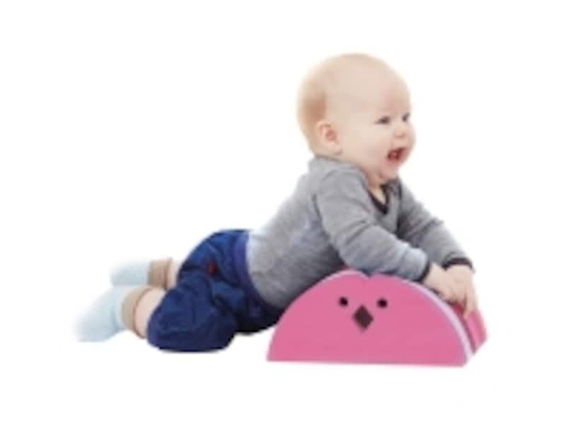 ボーネルンドのおもちゃ出産祝いランキング第7位「ボブルス チキン」は、リビングに溶け込むデンマークのデザインのからだあそび用の家具