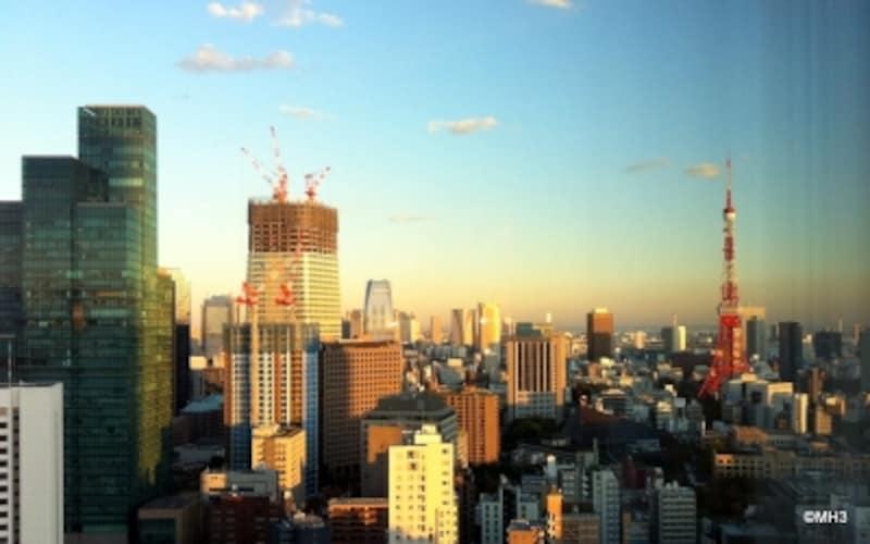 東京タワーを南に望む「六本木1丁目」