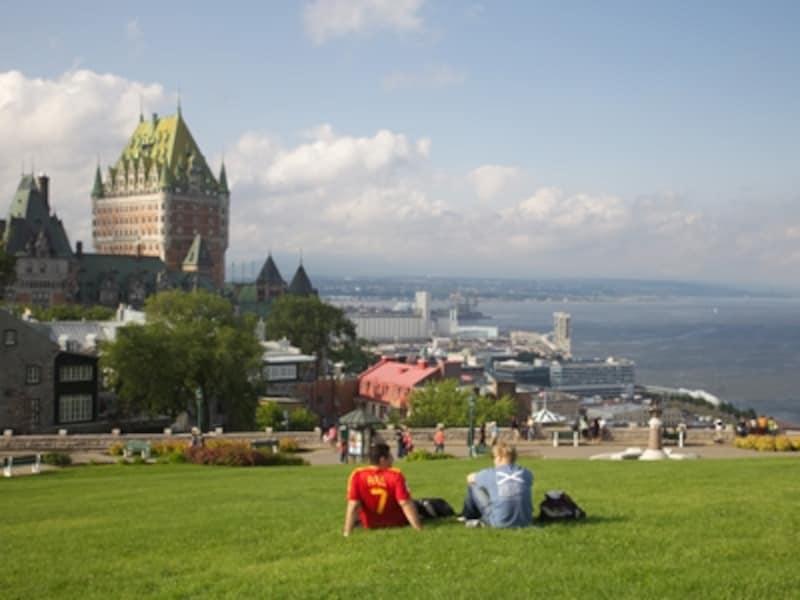 お城のようなホテル、シャトーフロントナックはケベックの町の象徴的な存在undefined(C)Asymetric/FinnO'Hara