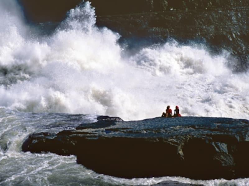 世界遺産の一つ、ナハニ国立公園内の激流。でも、誰も行ける、というわけではないundefined(C)NWTT/TerryParker