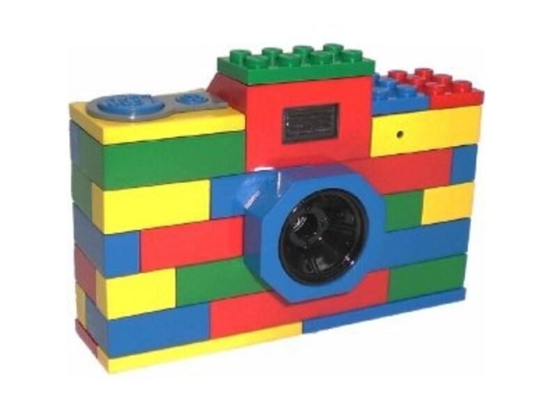 レゴブロックを組み立てたようなデザインのボディがたまらなくかわいい!