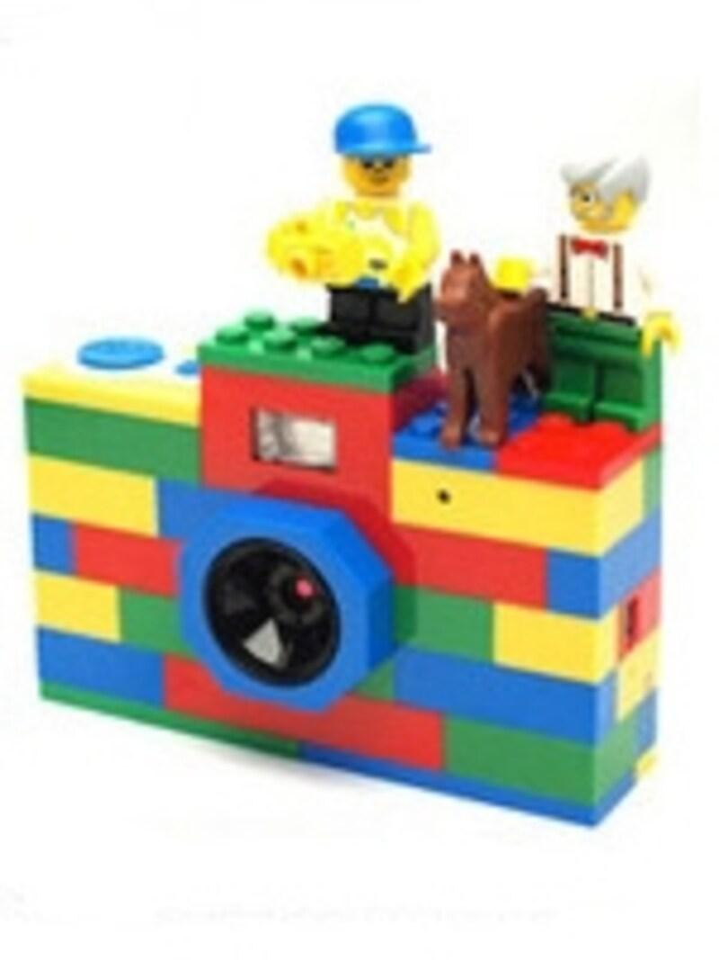 手持ちのレゴブロックを自由に組み合わせて楽しめます