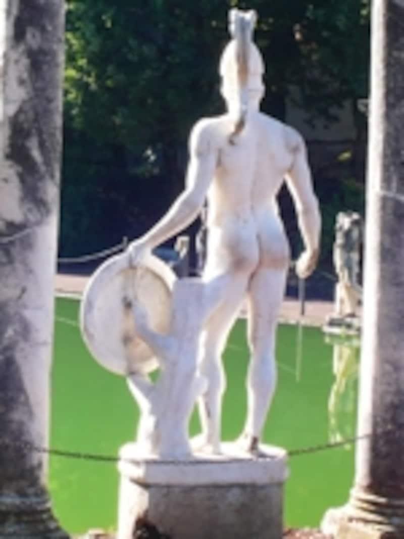 カノープスの彫像