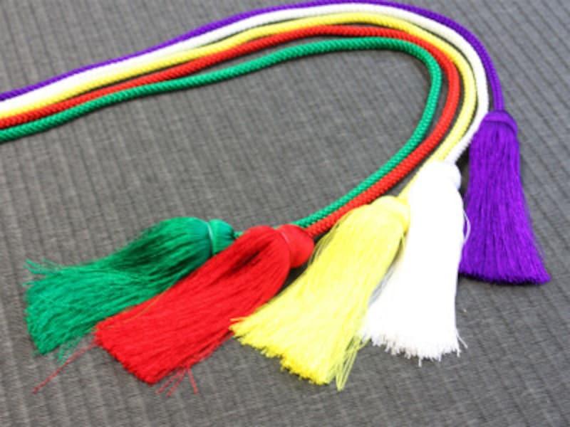 五色とは、青(緑)・赤・黄・白・黒(紫)の5色