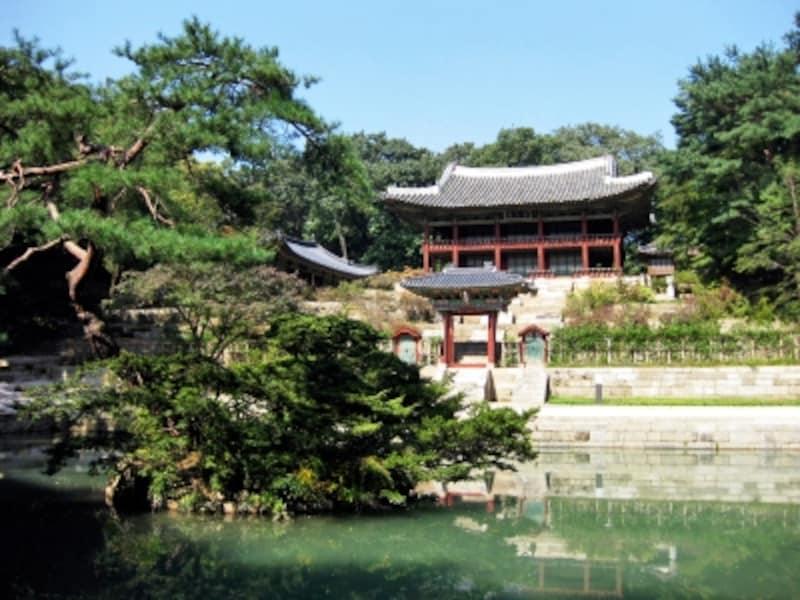 後苑の芙蓉池