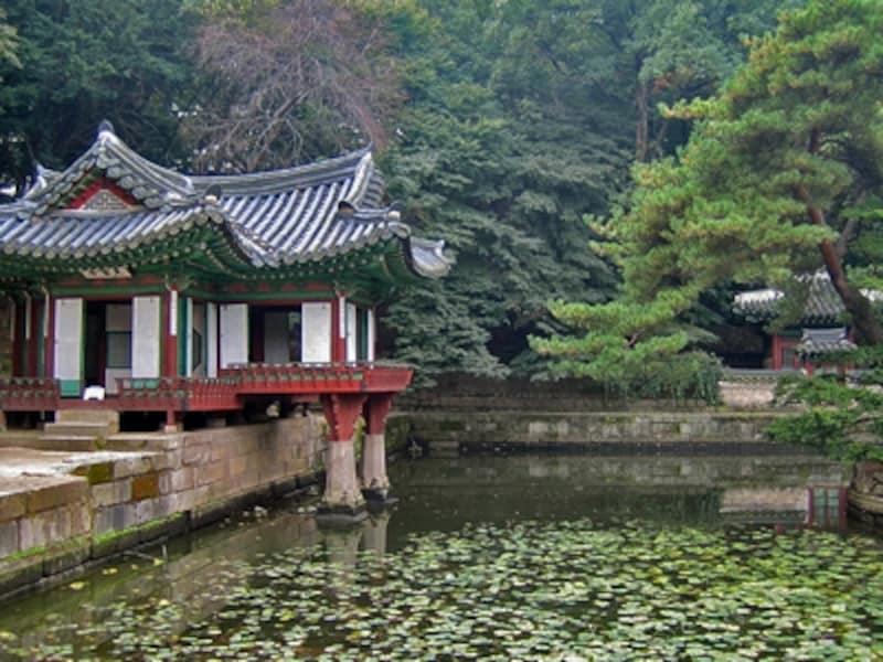 芙蓉池と芙蓉亭