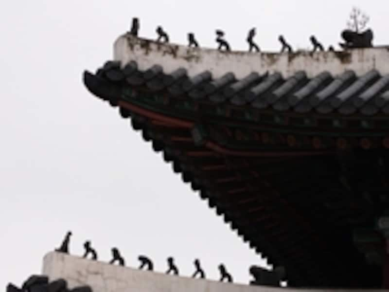 敦化門の屋根飾り