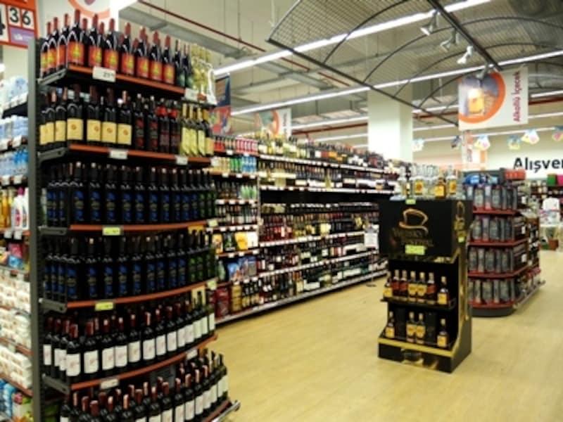 スーパーのアルコール売場