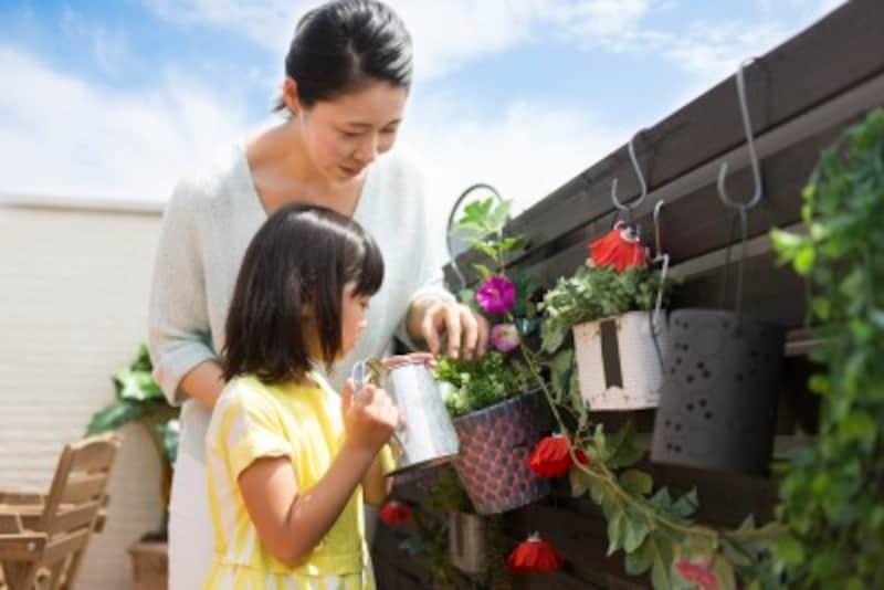 リビングに隣接してベランダがあれば、お天気の良い日にお茶を飲んだり、ガーデニングを楽しむことができます