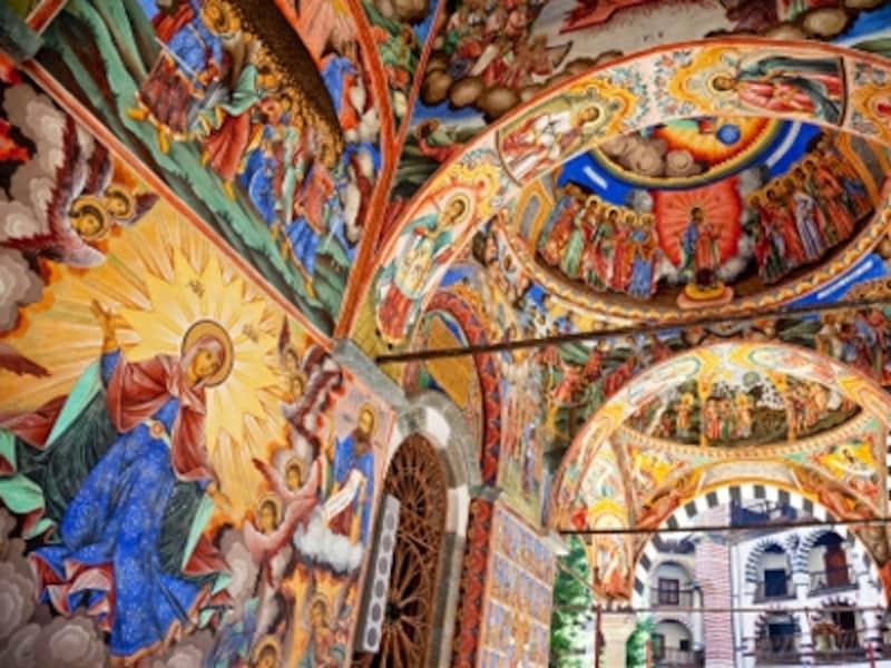 聖母教会の柱廊