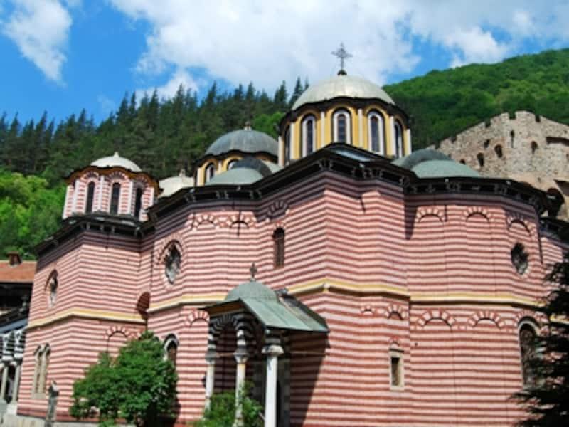 背後から見た聖母教会
